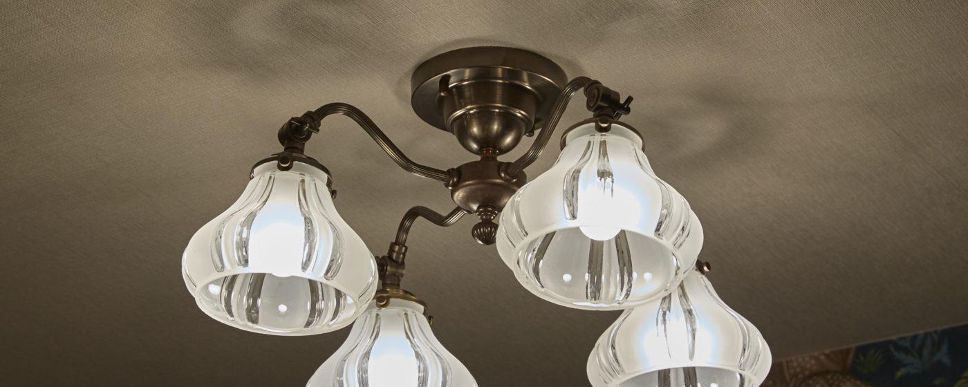 照明にもこだわりを!照明と電球の選び方。