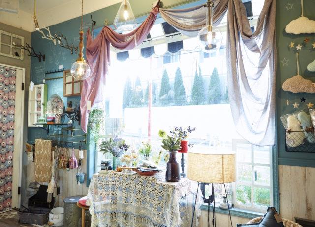 春のインテリアコーディネートは「アイスカラー」で大人カワイイお部屋に!