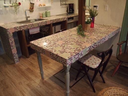 お部屋の雰囲気が一新!DIYで挑戦しやすいモザイクタイルの魅力をご紹介