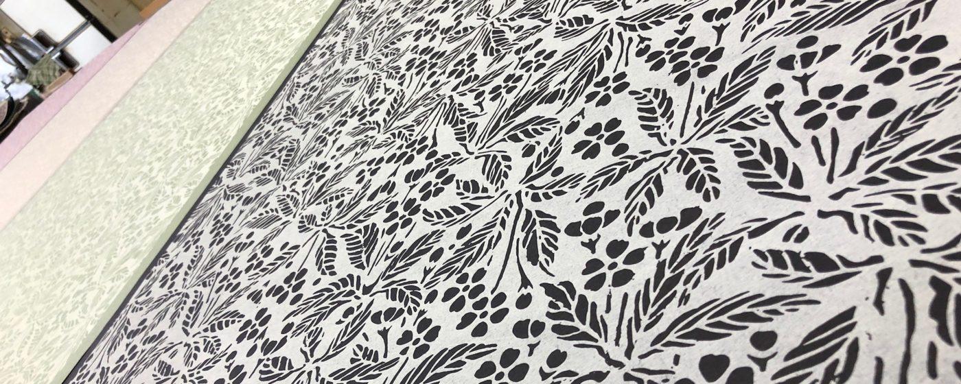 パリに上陸した夏水組オリジナル襖紙 販売開始しました!
