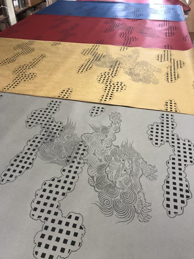 オリジナル襖紙「霞に獅子」新色の発売を開始しました!