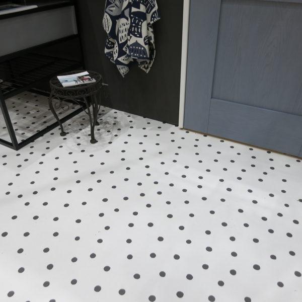 Polka Dots ー夏水組デザイン クッションフロア