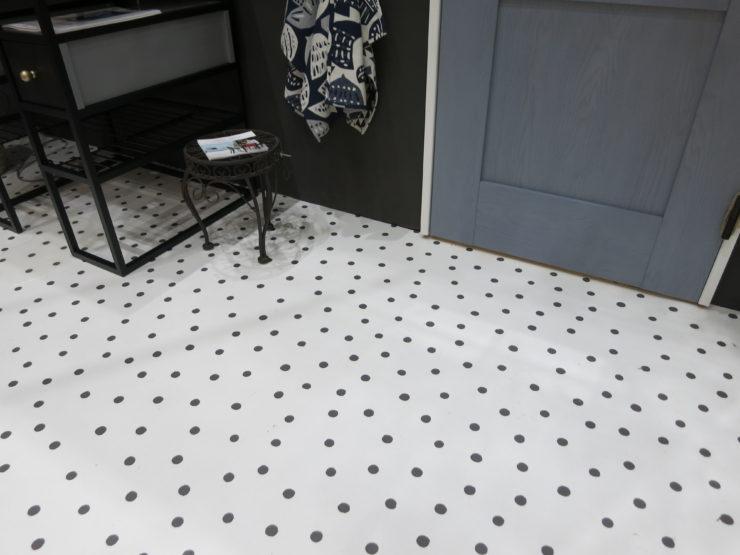 クッションフロアでおしゃれな床に! 夏水組デザインのクッションフロア第2弾
