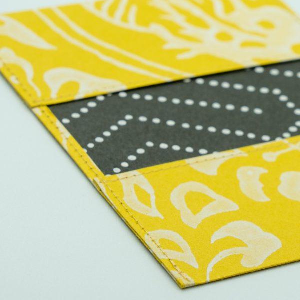 ふすま紙カードケース 獅子地紋(朱)×毘沙門亀甲(黒)
