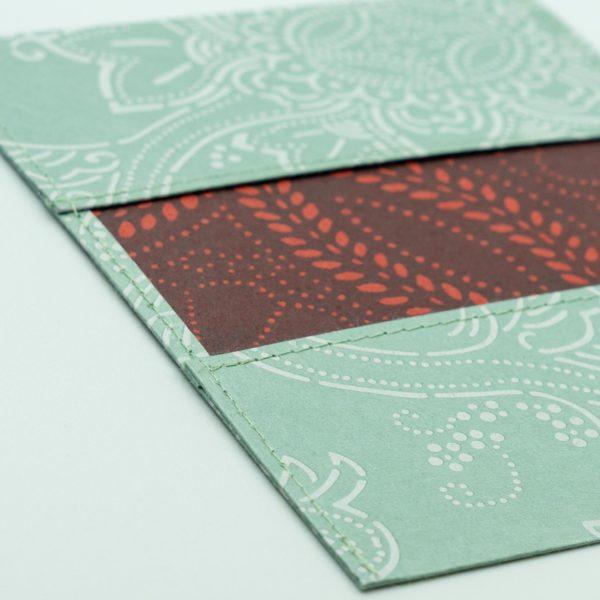 ふすま紙カードケース 唐草更紗(青鼠)×菊七宝(朱うるみ)