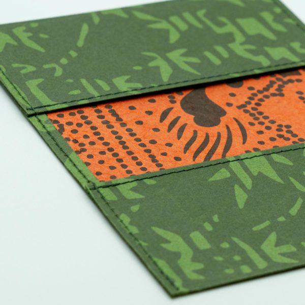 ふすま紙カードケース 楓鹿紋(花色)×月に鶴(朱)